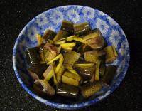 "Matelote d'anguilles en marinade. (fichier Wikimedia Commons : ""Matelote_anguilles"") - licence CC-BY-SA 2.0 (https://creativecommons.org/licenses/by-sa/2.0//deed.fr) Wang Kent, 2006"